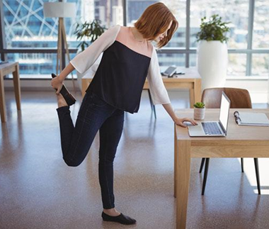 Ask the Experts: De-stress at Your Desk